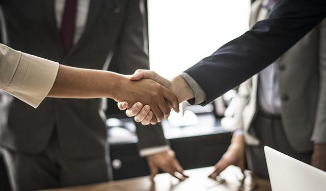 podání rukou, ujednání smlouvy