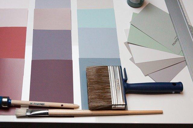 barevná škála, malířská štětka.jpg