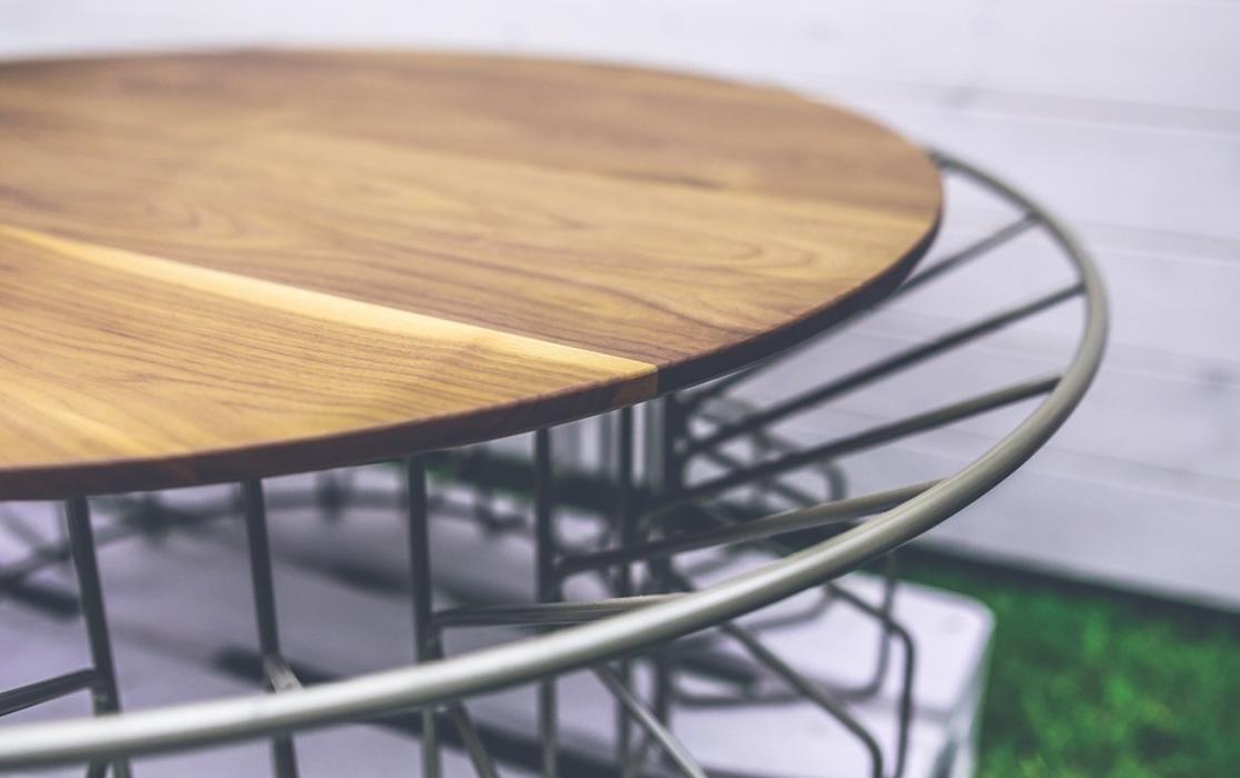 stolek dřevěný